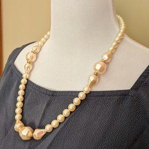 Vintage cream faux pearls statement necklace